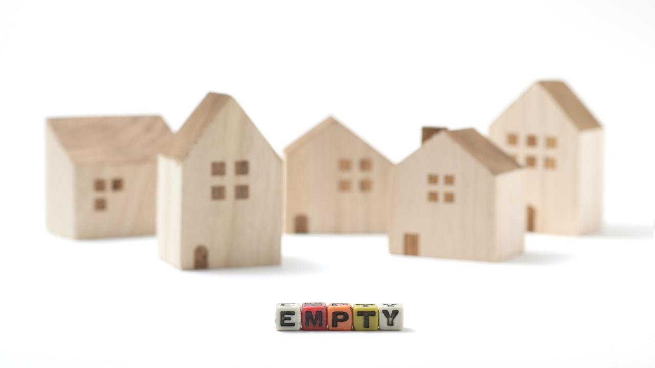 「特定空家等」に該当しない隣のゴミ屋敷・・・法的措置は可能?