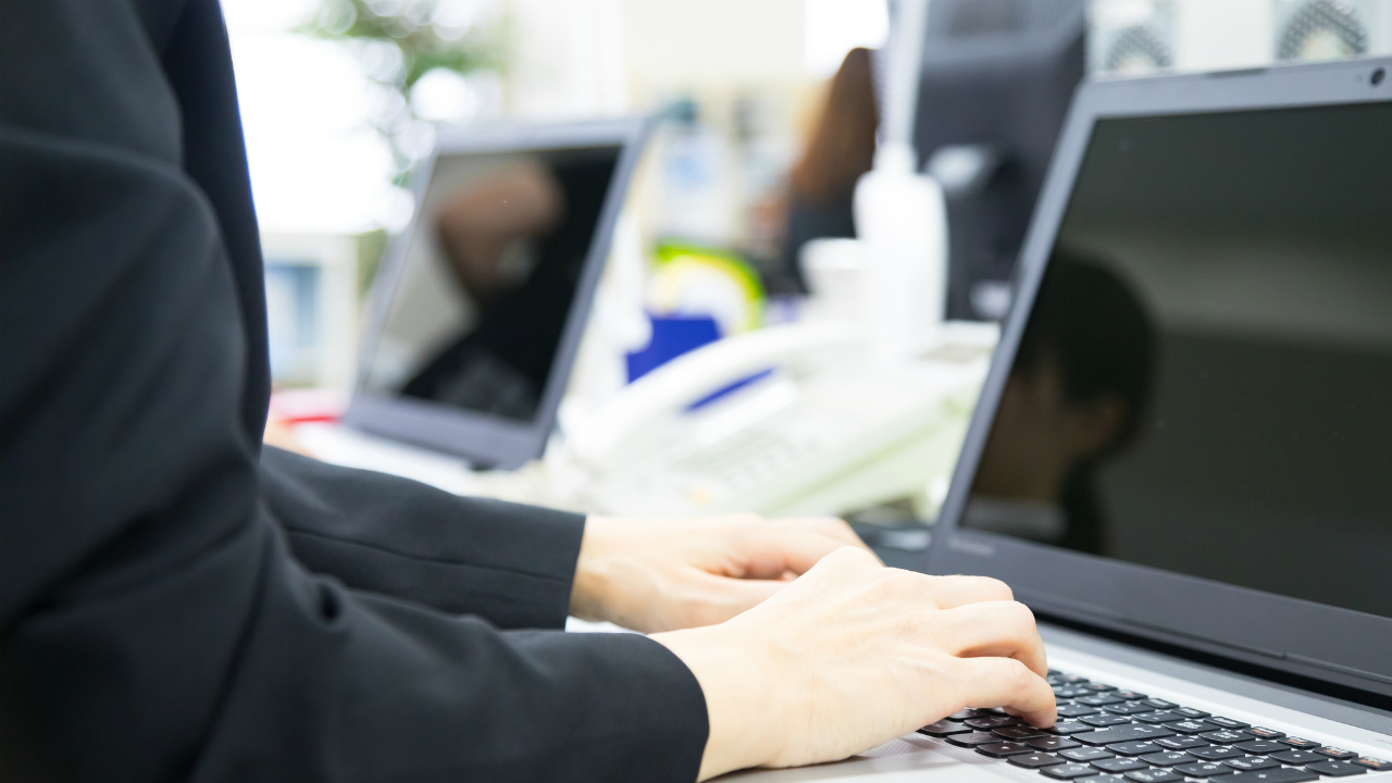 事業承継で重要となる、後継者との「従業員の情報」の共有