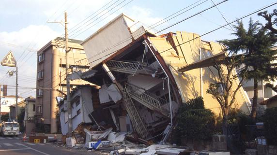 長方形より正方形の家のほうが地震に強い理由