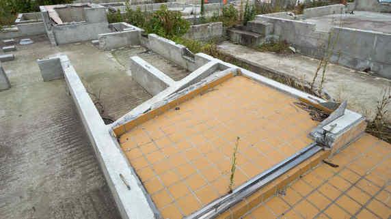 横浜の家「地面から大量のゴミ」絶望の中さらなる恐怖事実が…