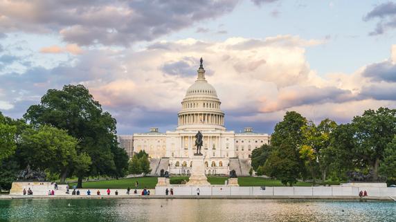 利下げ方針維持か…パウエル議長の議会証言