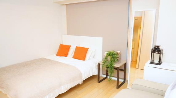 社名の由来は「寝る場所・朝食」・・・Airbnb設立の背景