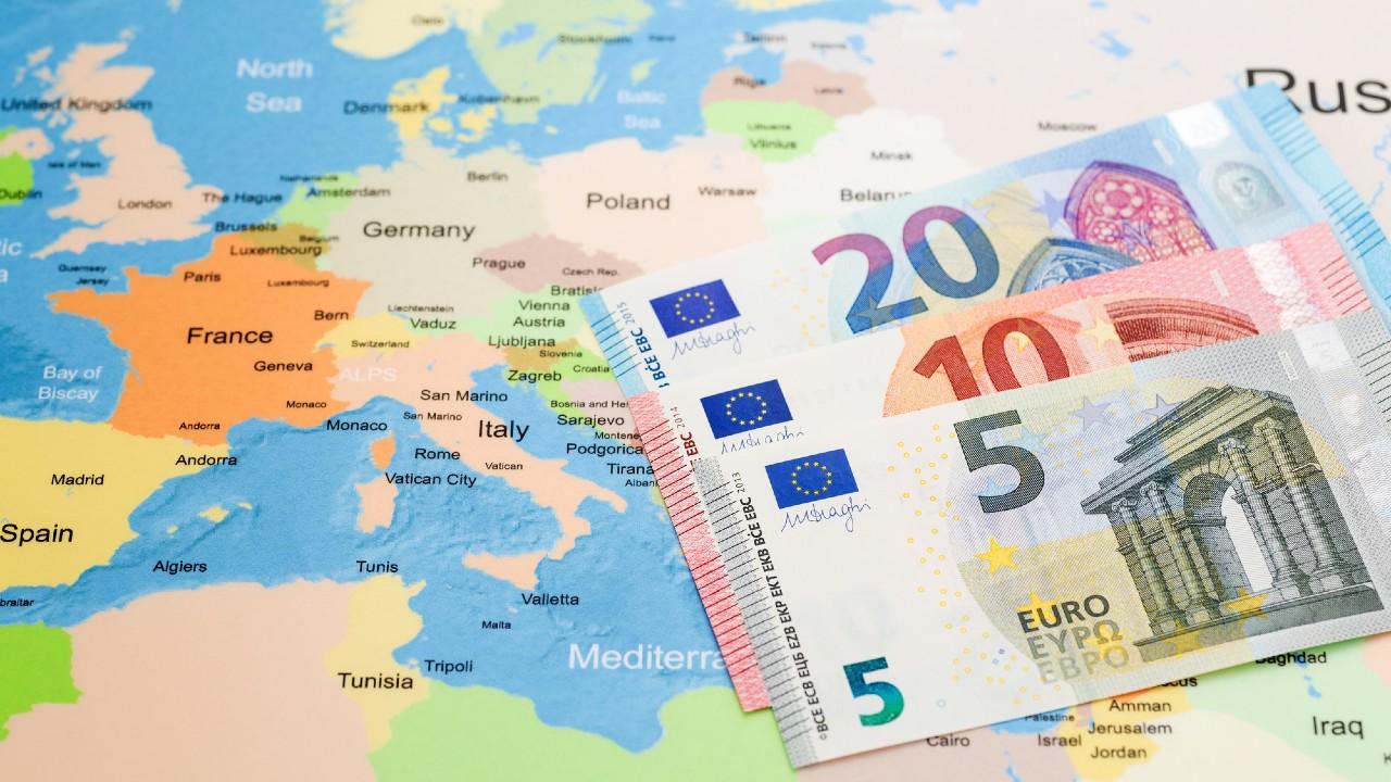 ユーロ圏PMI失速の背景と市場の反応