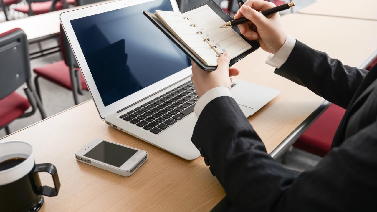 会社の繁忙期・閑散期の管理で高める「経理の作業効率」