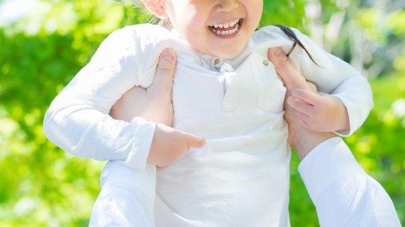 子どもの「抱っこして!」攻撃、親の都合で受け流していると…