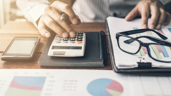 経理業務のスリム化に「営業事務との分化」が不可欠な理由