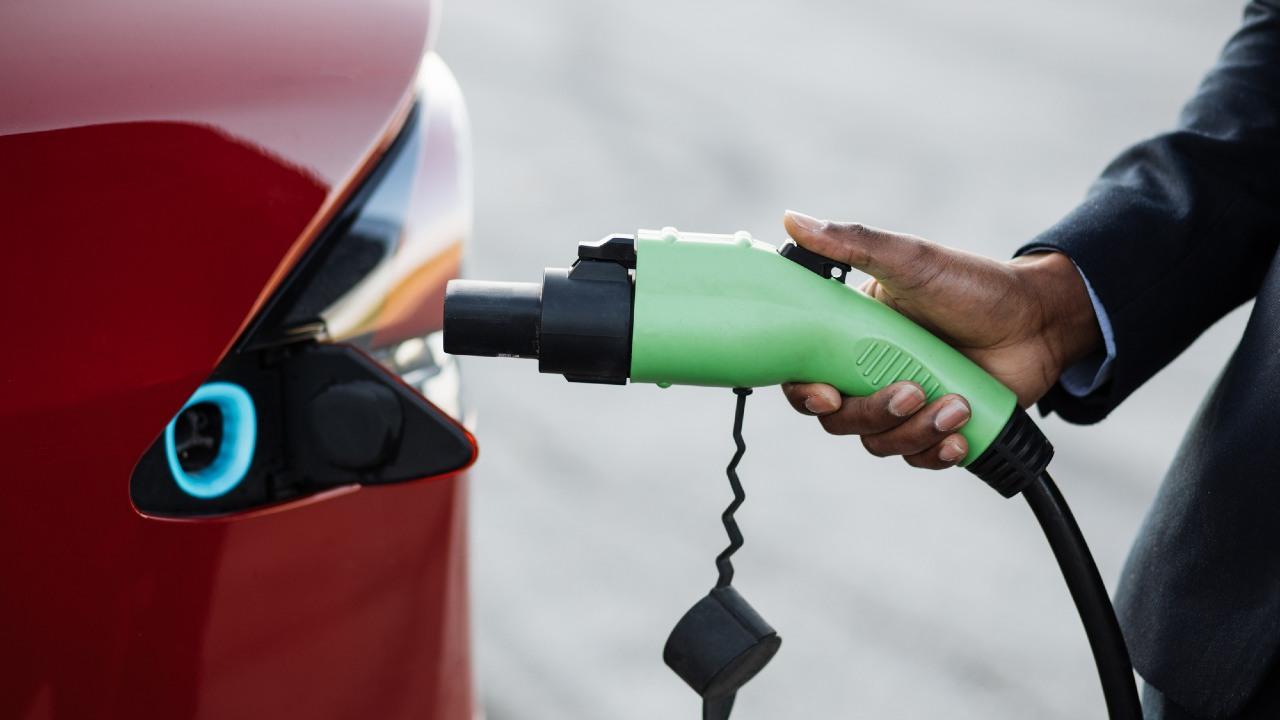 新型コロナ後、自動車のサブスク化・ガソリン車廃止が進むワケ