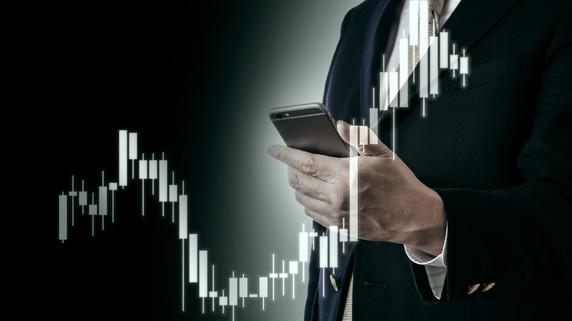 プロができない個人投資家の強みは「長期投資」ってホント?