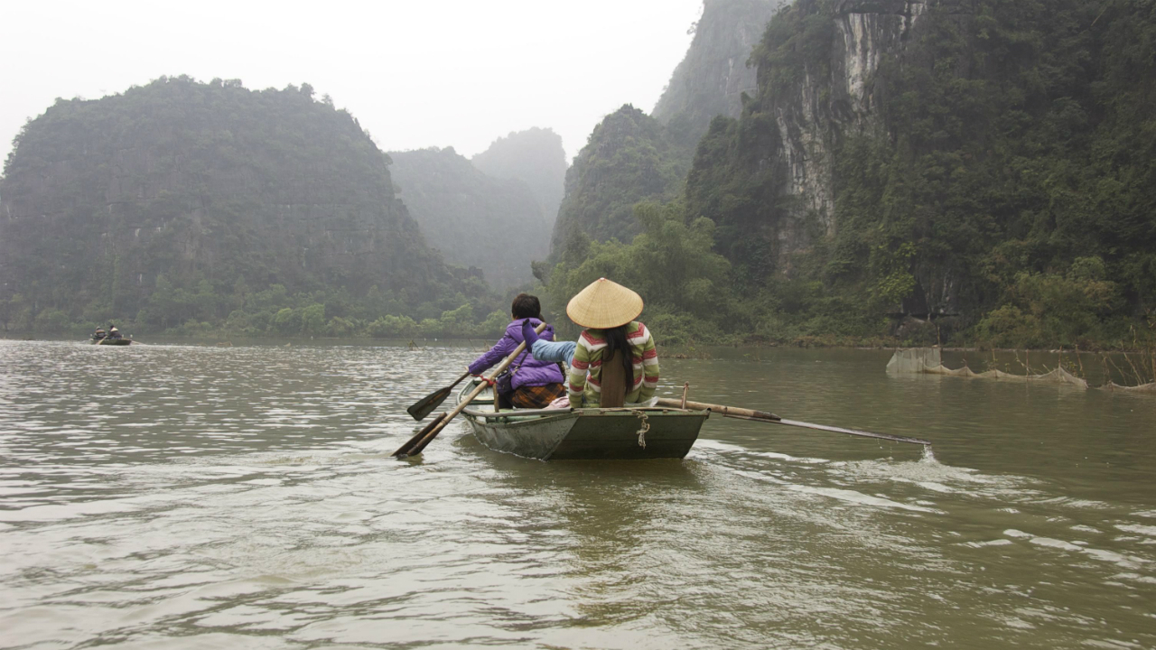 人民元の河を渡る