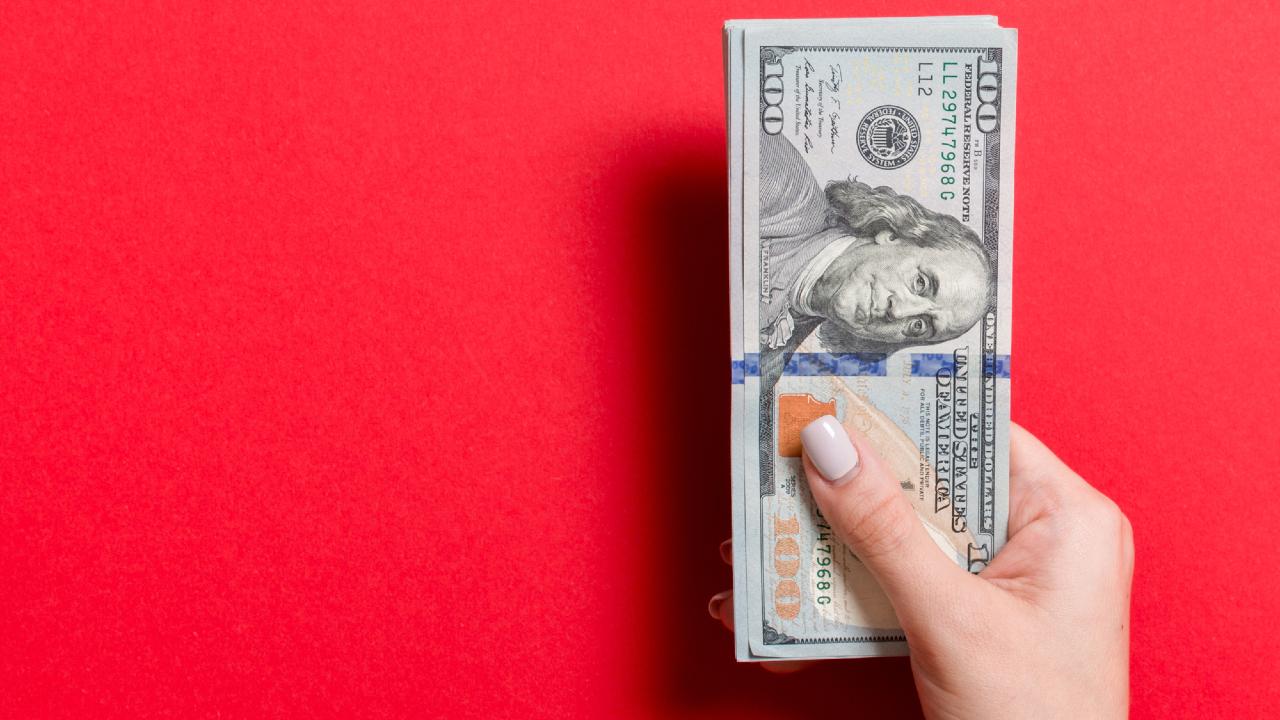失業給付「失効」で米国個人消費に下振れリスク