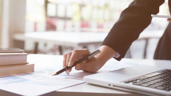 会社の「売上収入口座」を開設する際の注意点