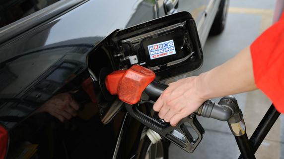 日本のガソリン価格はニューヨークで決まる…需要と供給の関係