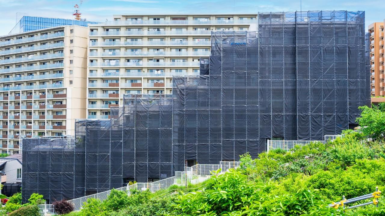 捨てられる「老朽マンション」危機…建替円滑法で救えるのか