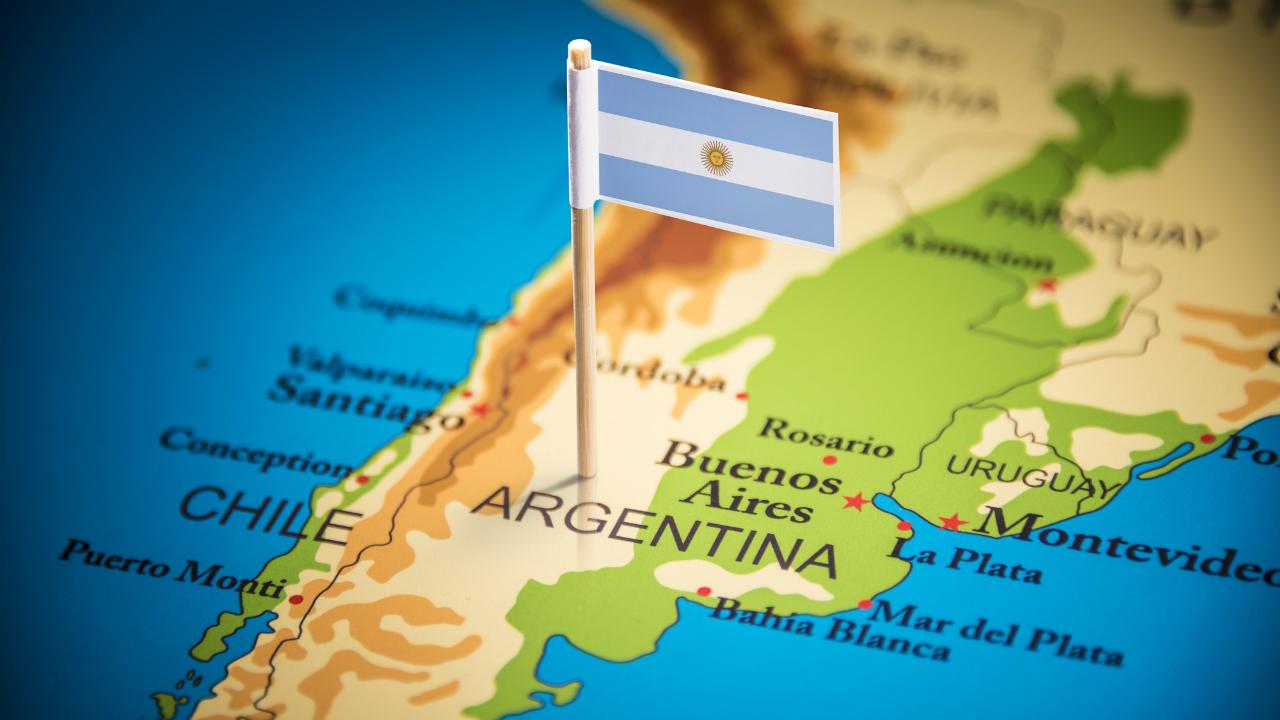 アルゼンチン、新興国の重石に…ペソの動きは依然不安定