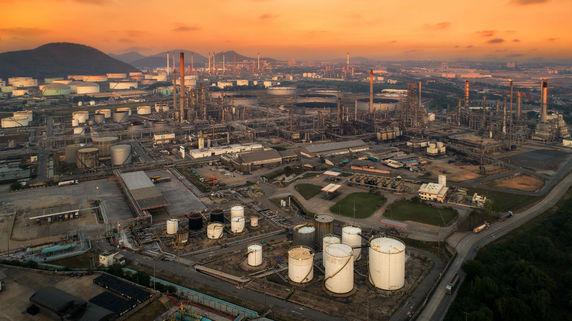 経常利益から「石油会社の株価」を読み解くポイント