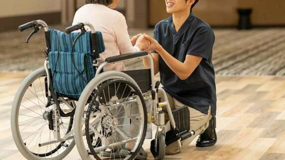 サービス利用者を心地よくする「至れり尽くせり」介護の問題点