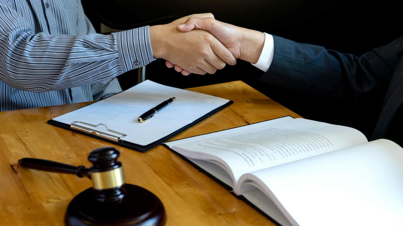 民事信託で忘れがちな「法定調書」…提出するタイミングは?