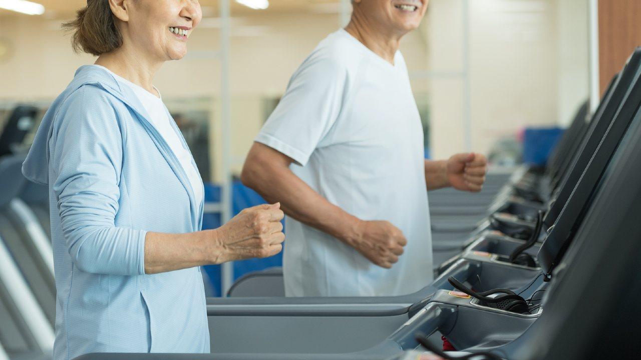 「現代の高齢者が若返っている」証拠…だが下半身(足腰)は?