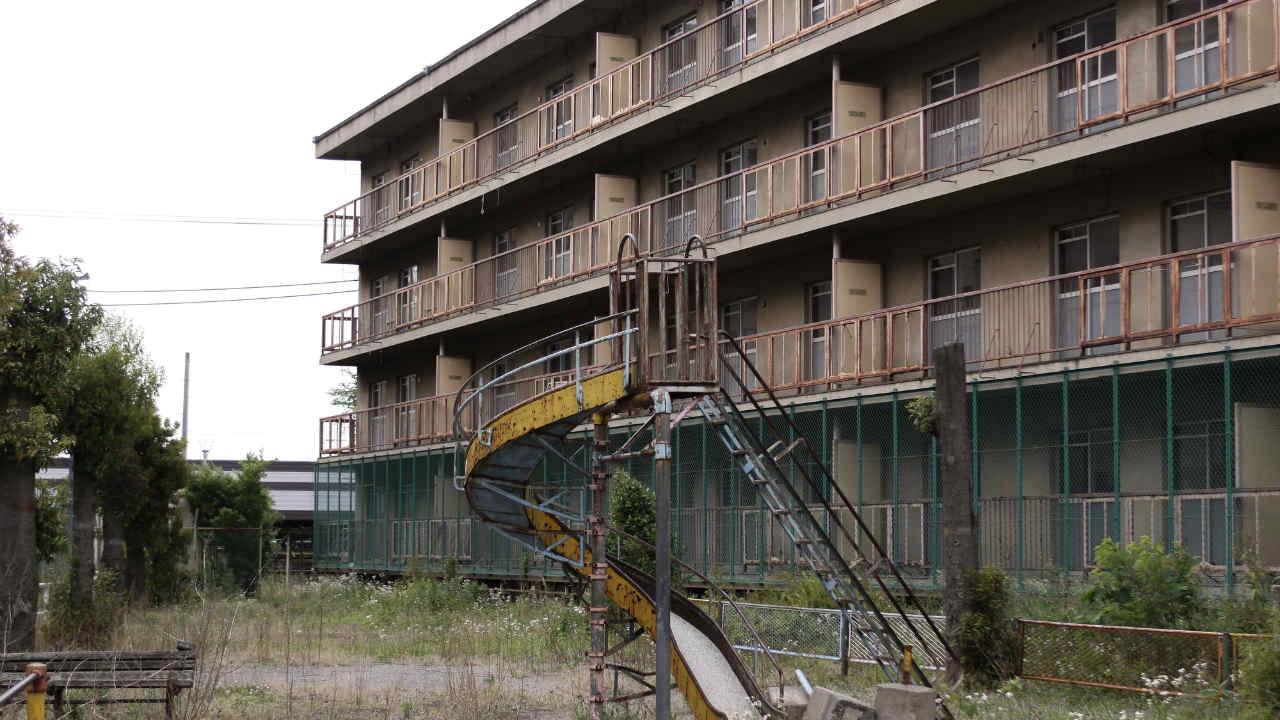 即ボロボロ…悪徳業者が建設した「新築マンション」の酷い末路