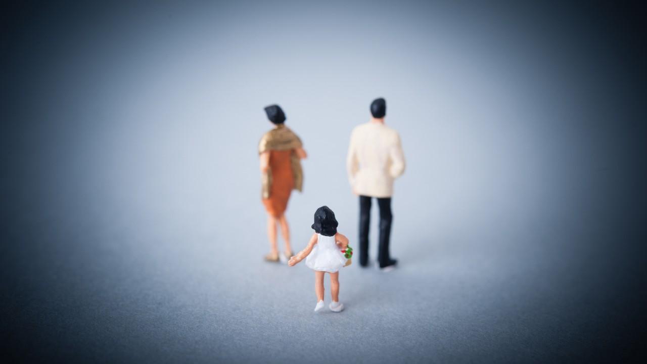 離婚後30年、音信不通だった父の死…再婚相手が突きつけた「無茶な要求」【弁護士が解説】