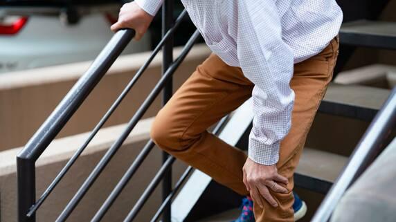 我慢できない「ひざの痛み」…進行期~末期の治療方法【整形外科医が解説】