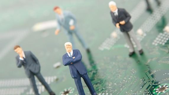 日本のIT業界を自滅に追い込んだ、ITを知らない経営者たち