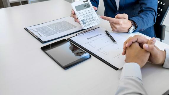 不動産融資の交渉…金融機関で他行の悪口が絶対NGなワケ