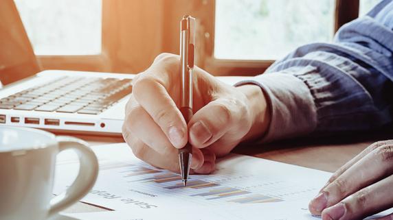 株価変動を予測するための「チャート分析の三本柱」とは?