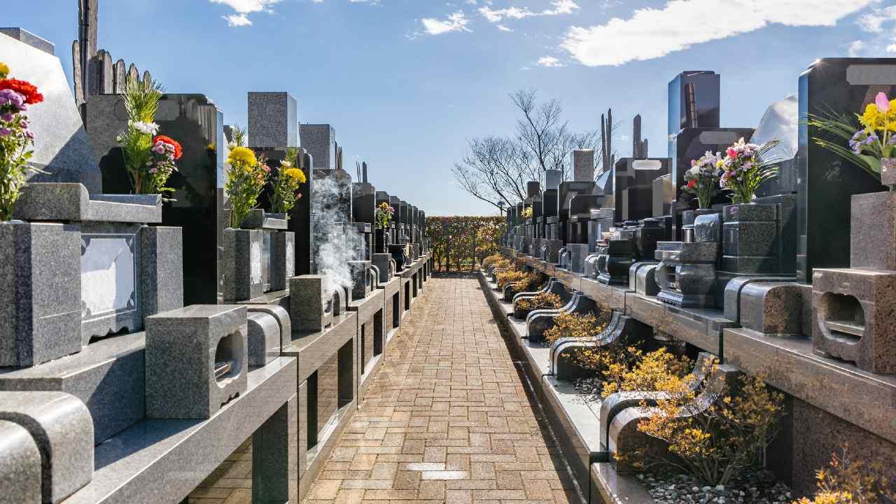 現代日本で「夫と同じお墓に入りたくない妻」が急増したワケ