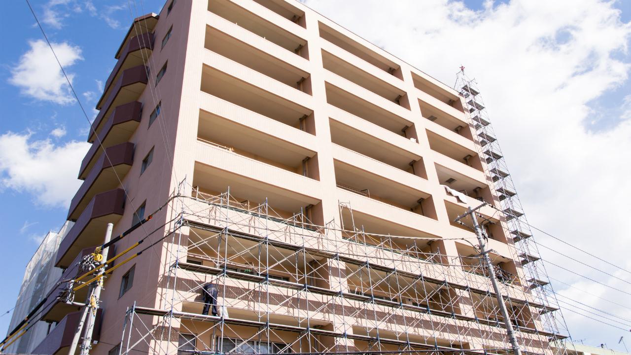 マンションの耐震改修で安全性を確保した「避難通路」
