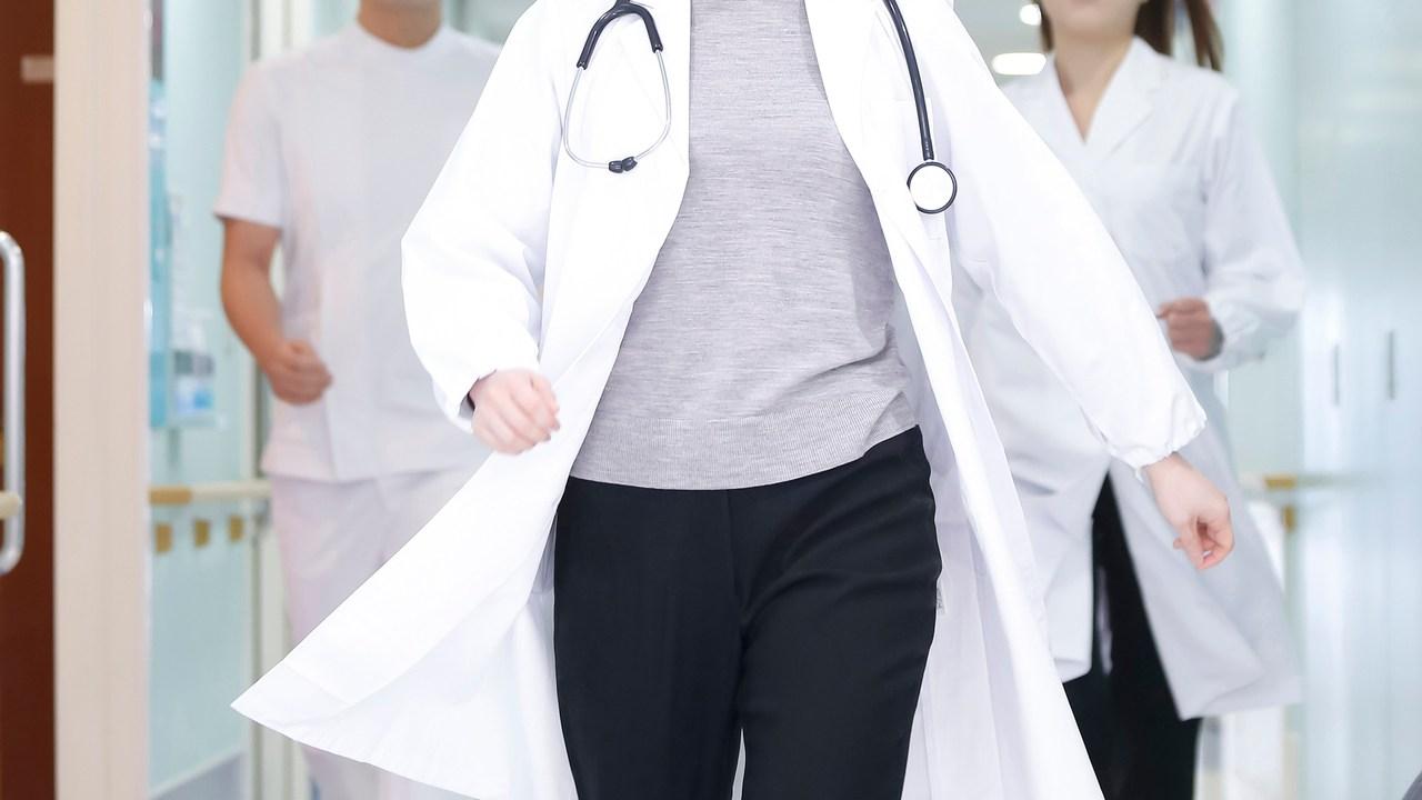 医療従事者「年収」調査…医師は1000万円超え、看護師は?