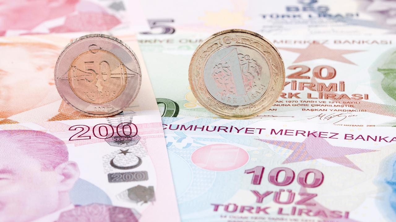 2年連続で8月暴落したトルコリラ…それでも13円割れは回避?