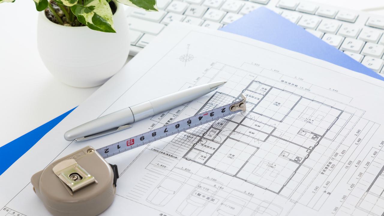 デメリットも多い「狭小地・変形地」…家作りでどう工夫する?