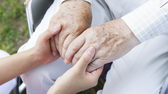 介護施設の「利用者満足度」と「職員満足度」の関係