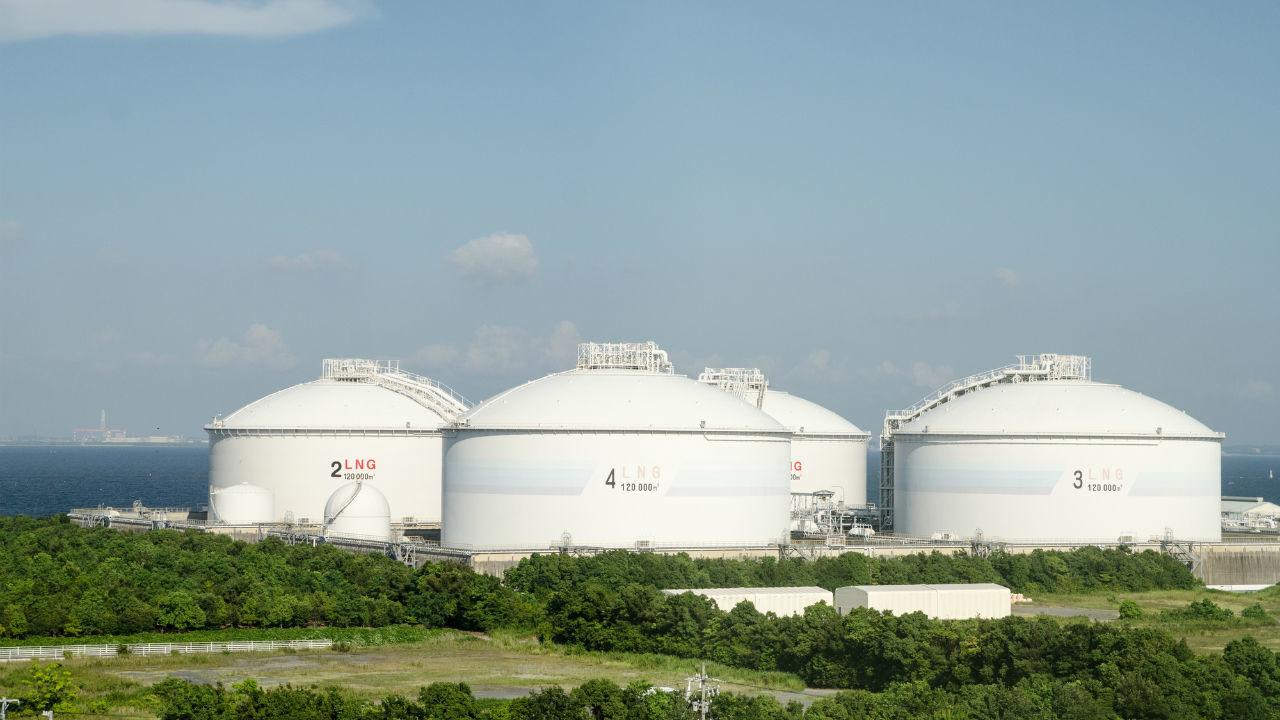LNG施設 アジア開拓 関連銘柄に注目