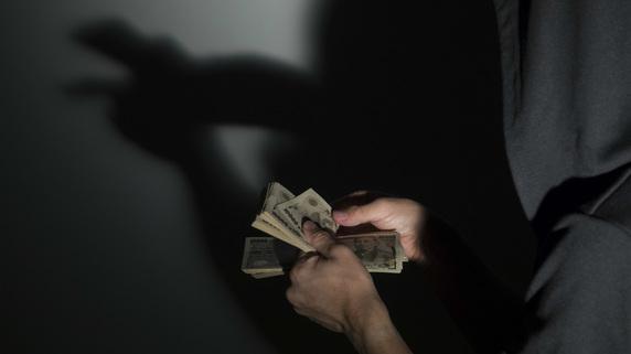 芸人「闇営業」は課税、素人モノマネの「副業」は非課税のワケ