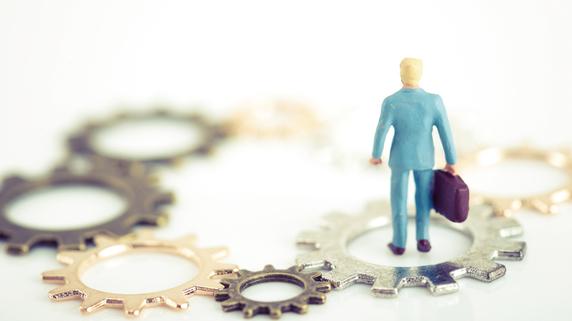 お金を「貯金」で持ち続ける…どんなリスクがあるのか?