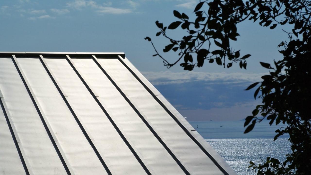 賃貸物件の屋根にも「ガルバリウム鋼版」がおススメの理由