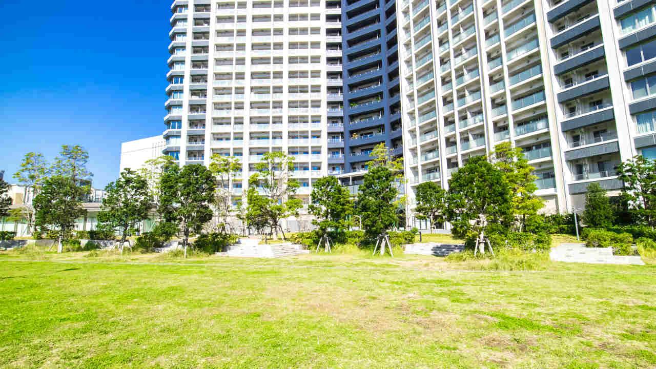 マンション敷地の一部を駐車場にしたい…適用される法律は?
