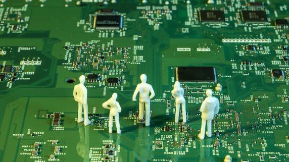 大量の情報を高速分析・・・クオンツ運用を「AI化」するメリット