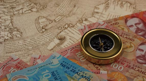 ニュージーランドにおけるNZドル安政策の影響と政界等の反応