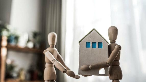 「相続した実家は借地です」…相続税の計算方法を税理士が解説