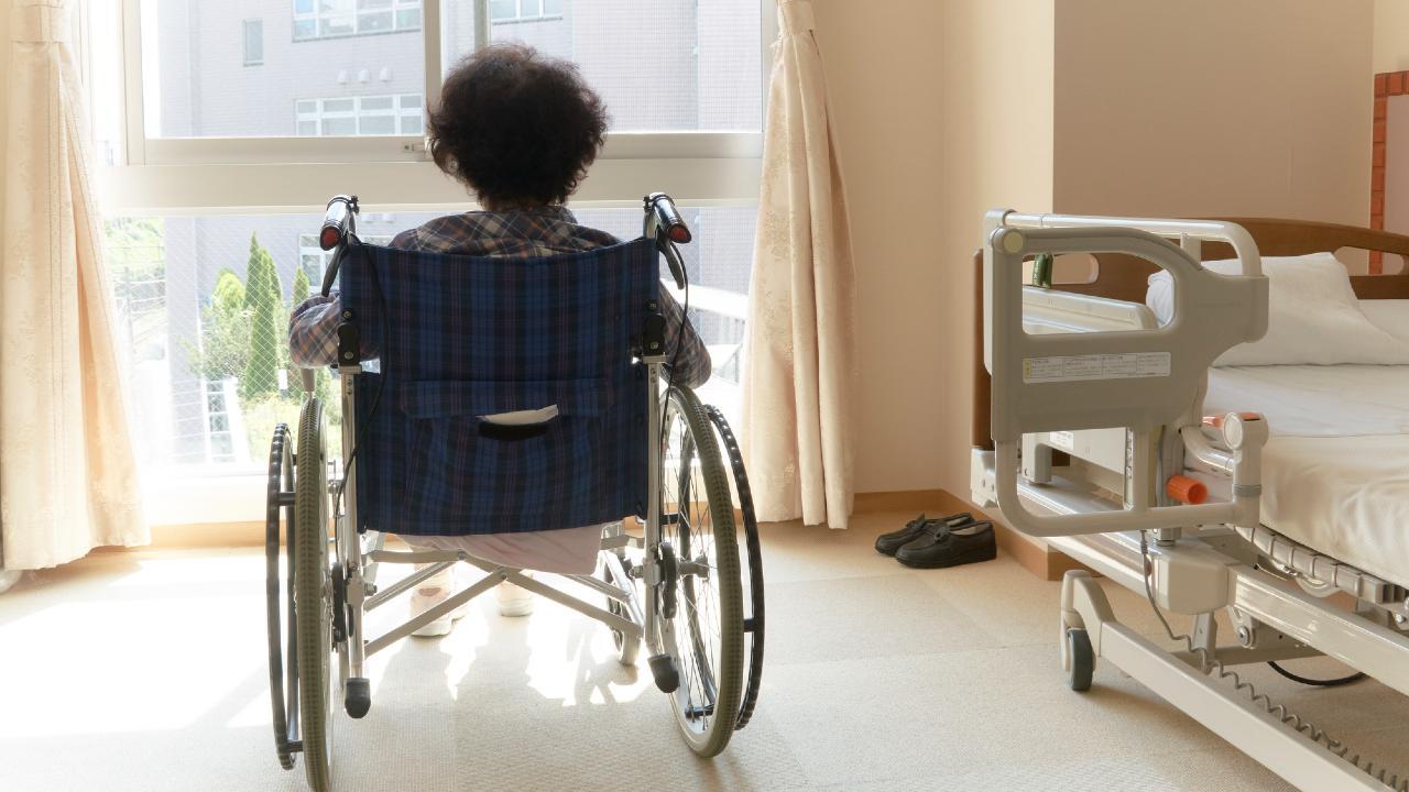 """「介護は子どもの義務ではない」が…""""有料老人ホーム代""""に注意"""